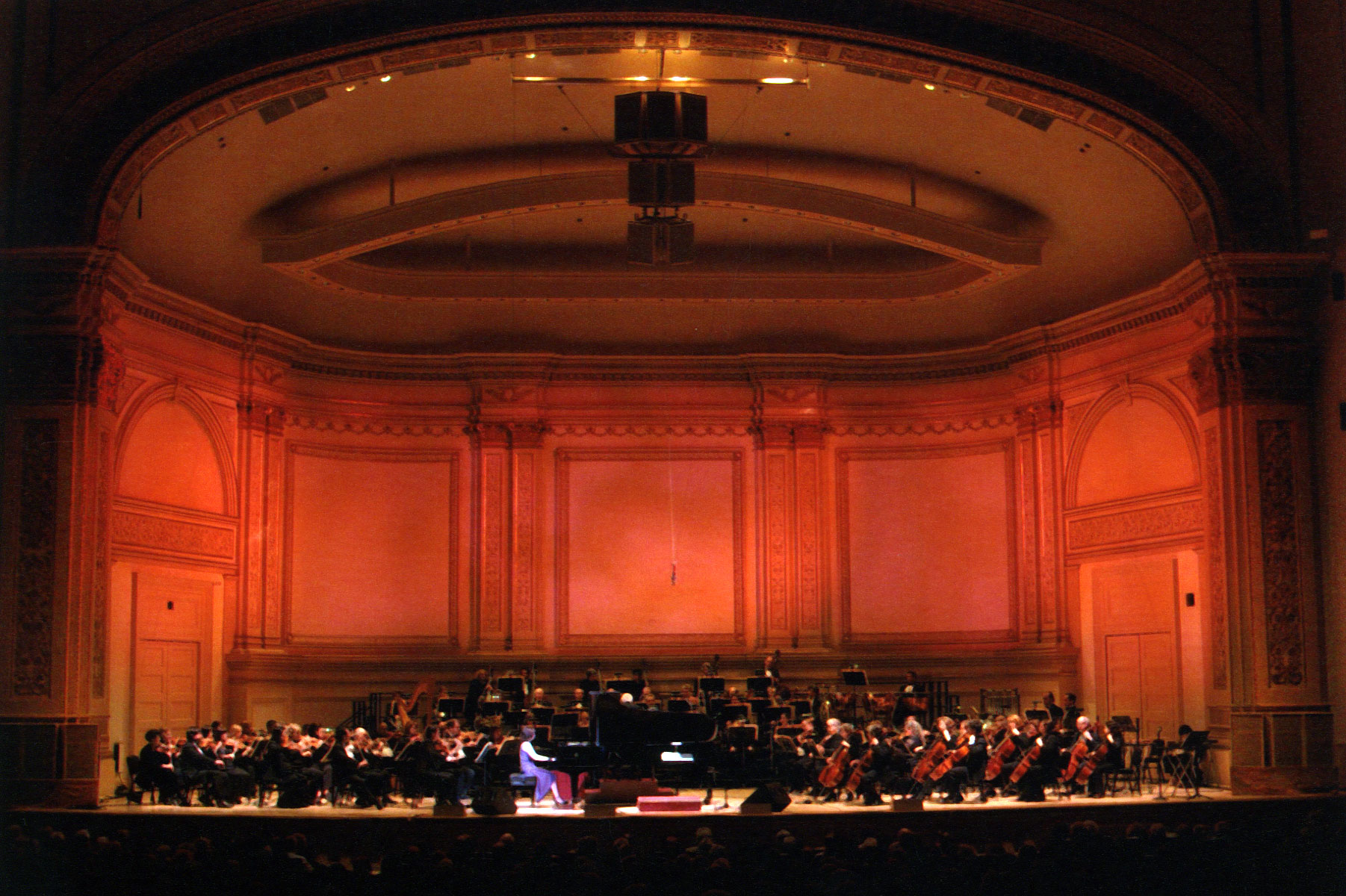 Catherine Wilson – Invited Soloist with New York Pops at CARNEGIE HALL – SOLD OUT! (2005)